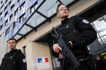 Eight Charged in France over Plot Targeting Politicians, Mosques